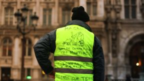 5 key facts  about the 'yellow vests' protests in France